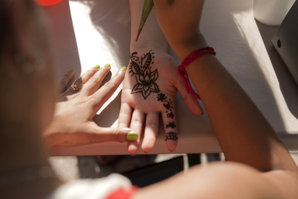 Art for a Cause – Henna on the Rock
