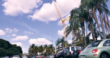 Students are forced to park on the grass while Pavia undergoes construction. Charlotte Cushing//The Miami Hurricane