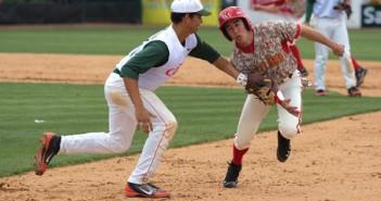 Esteban Tresgallo, freshman, tags out a maryland player on Sunday. Zach Beeker//The Miami Hurricane