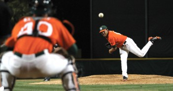 Freshman Christian Diaz pitches during the Wednesday night game against St. Thomas. The hurricanes won 11-4. Kenneth Rubi//The Miami Hurricane