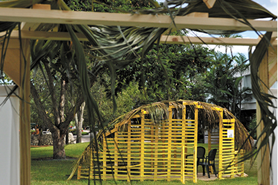 Savvy architecture students celebrate Sukkot