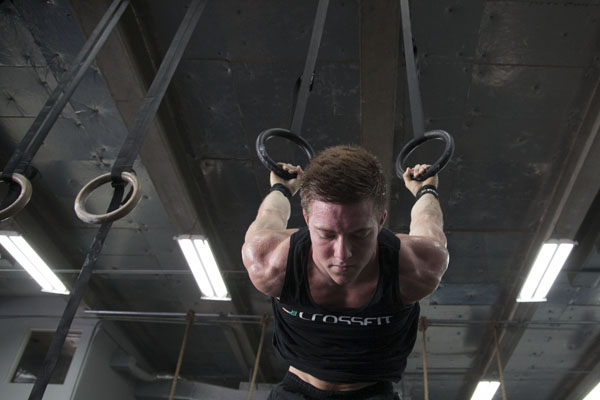 CrossFit club pushes members in rigorous workouts