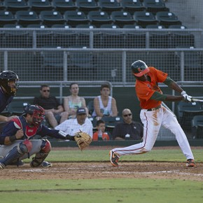 PHOTO BRIEF: Baseball vs. FAU