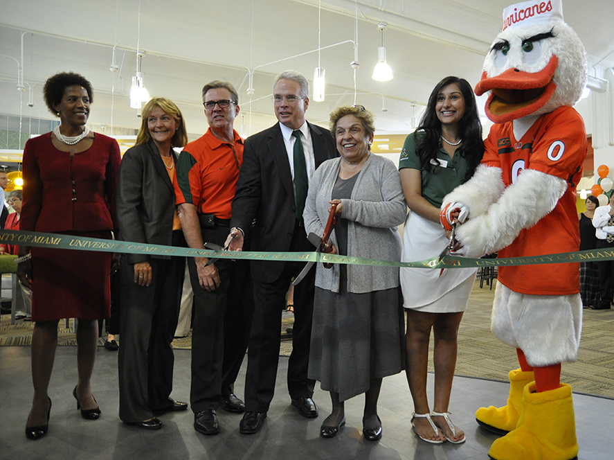 Ceremony celebrates Mahoney-Pearson Dining Hall opening