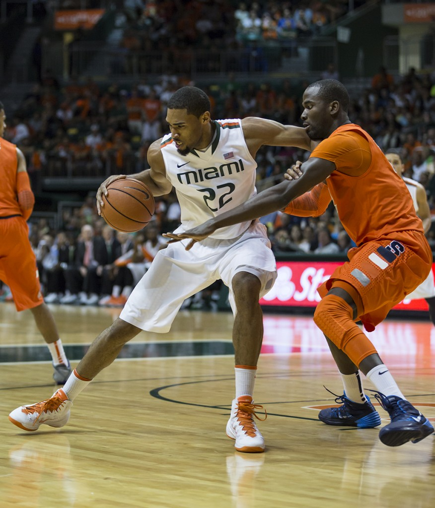 Syracuse weathers Miami run to remain unbeaten