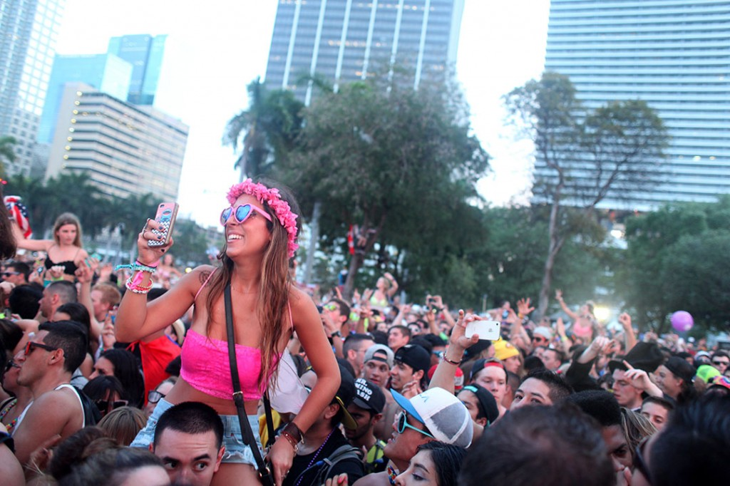 Ultra fans dance at the Main Stage on Friday afternoon.