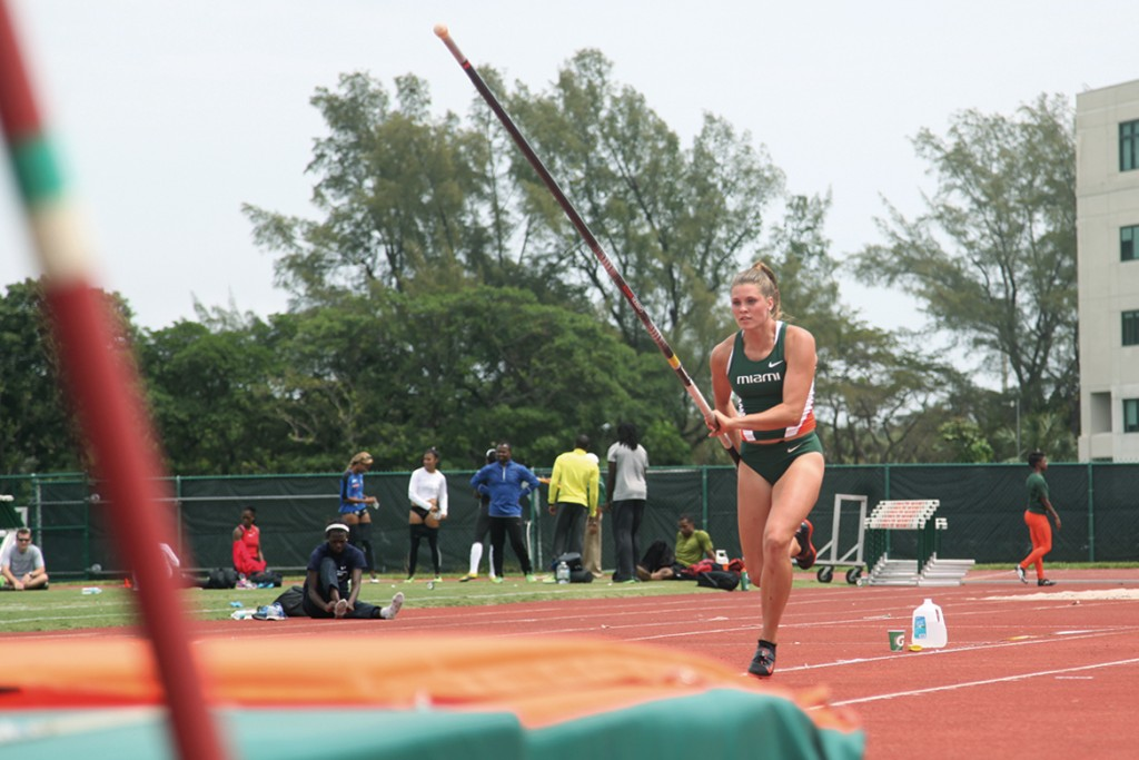 Sophomore Alysha Newman finished first in the pole vault at the Miami Invitational track meet on Saturday afternoon. Monica Herndon // Photo Editor