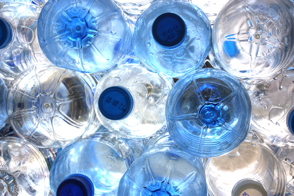 Campus initiative strives to ban bottled water