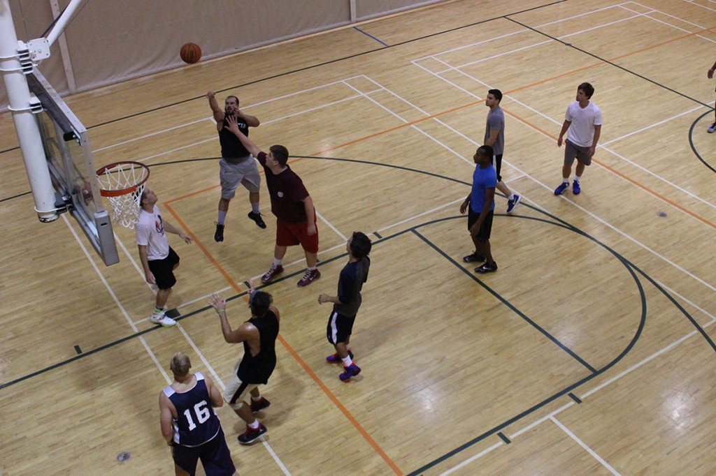 The club basketball team gathered at the Wellness Center on Wednesday evening to practice for their upcoming competitions. The team is aiming to compete nationally.
