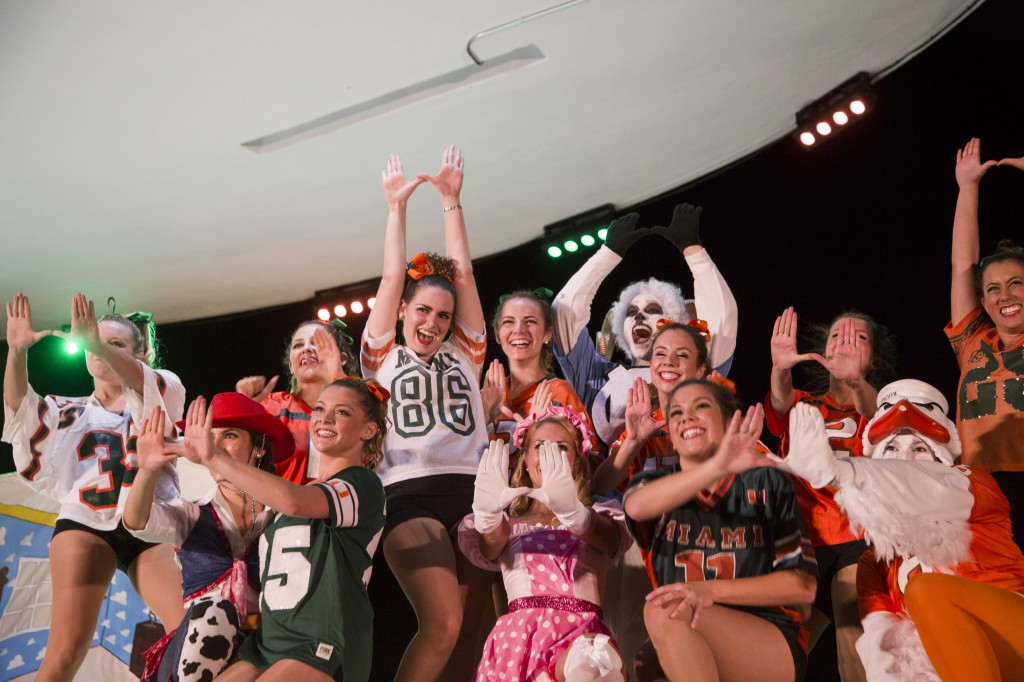 O-Cheer winners take a trip to outer space, dance to Katy Perry's 'E.T.'