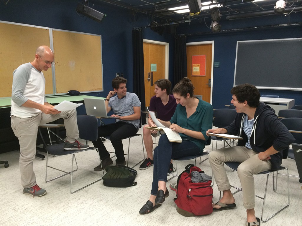 Department of Theatre Arts faculty member Oren Safdie advises Astonishing Idiots playwrights in workshop. Jackie Yang // Contributing Photographer
