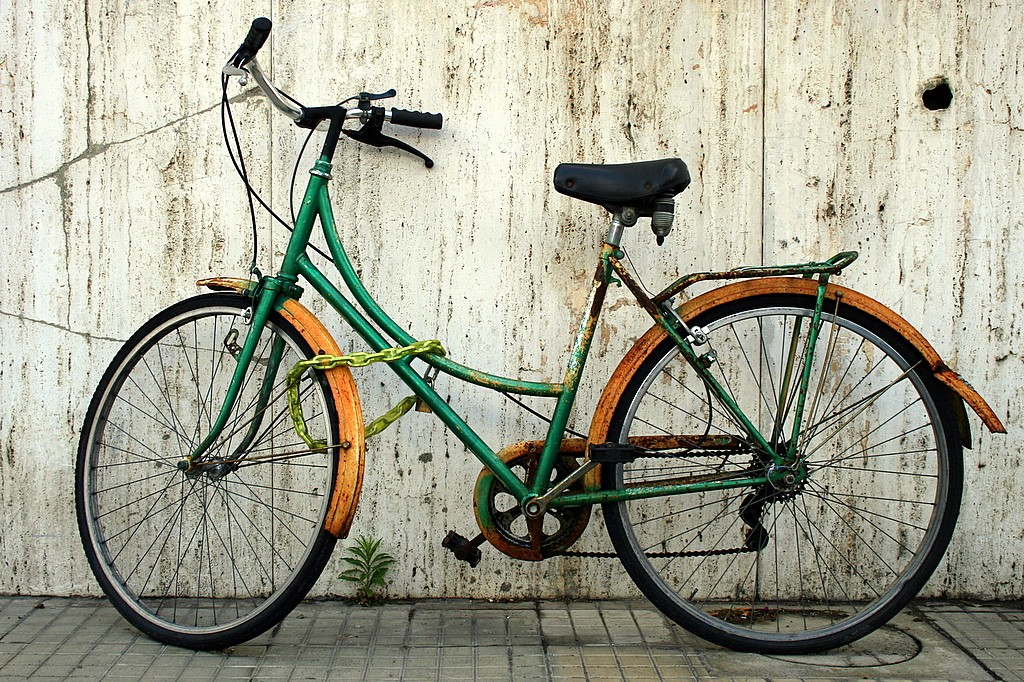 Alumnus bikes to raise Tourette syndrome awareness