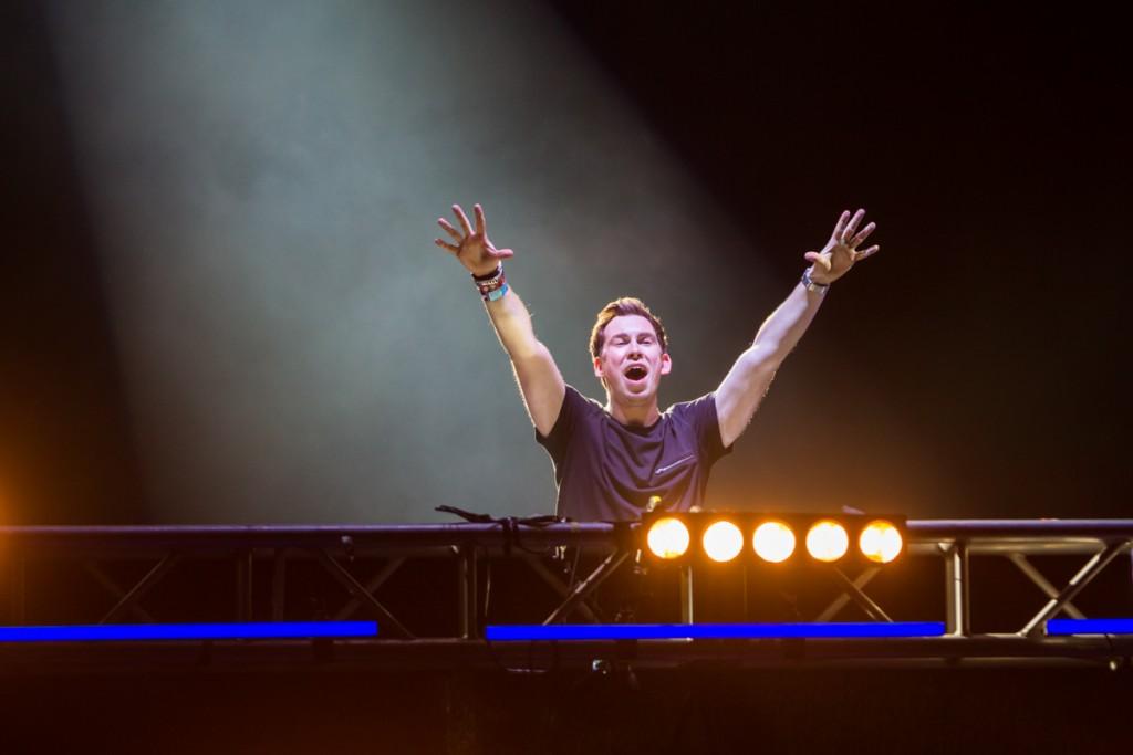 Saturday's Ultra Music Festival illuminates Miami