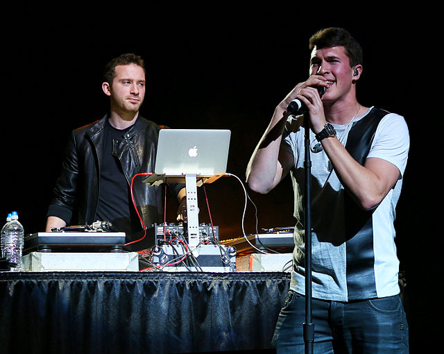 Electronic music duo Timeflies to perform at HP Canes Carnival