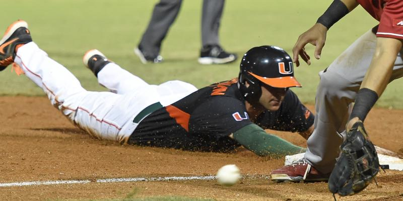 Hurricanes baseball dominates North Carolina 10-4 in series opener