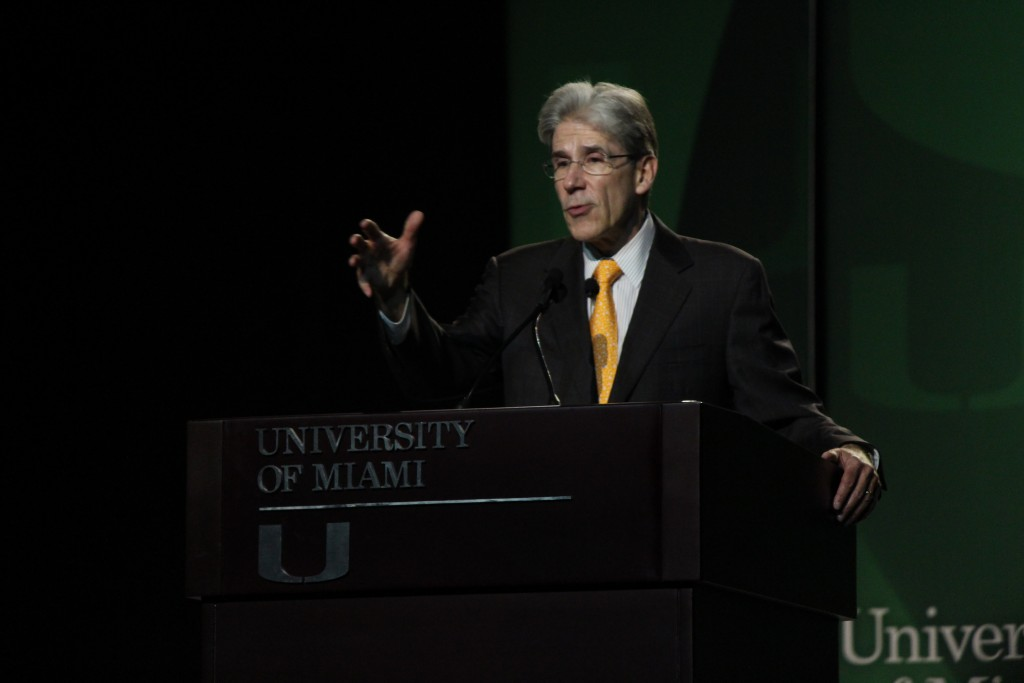 Dr. Julio Frenk urges incoming students to 'Discover the U'