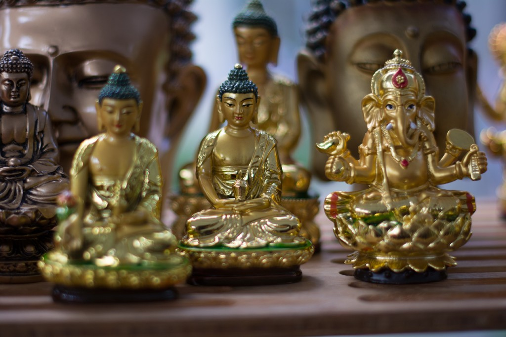 The market features Buddha and Ganesh murtis. Alisha Kabir // Staff Photographer