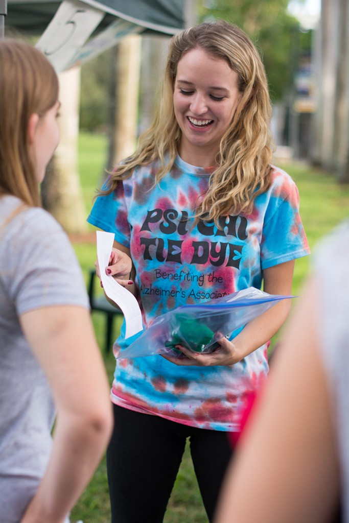 Psi Chi Tie-Dye event raises money for Alzheimer's research