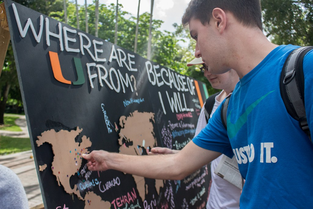 Students mark down where they are from and what their futures aspirations are at Philanthropy Awareness Day. The event is hosted to appreciate and thank alumni donors for all their contributions to make the U a brighter place. Shreya Chidarala // Assistant Photo Editor