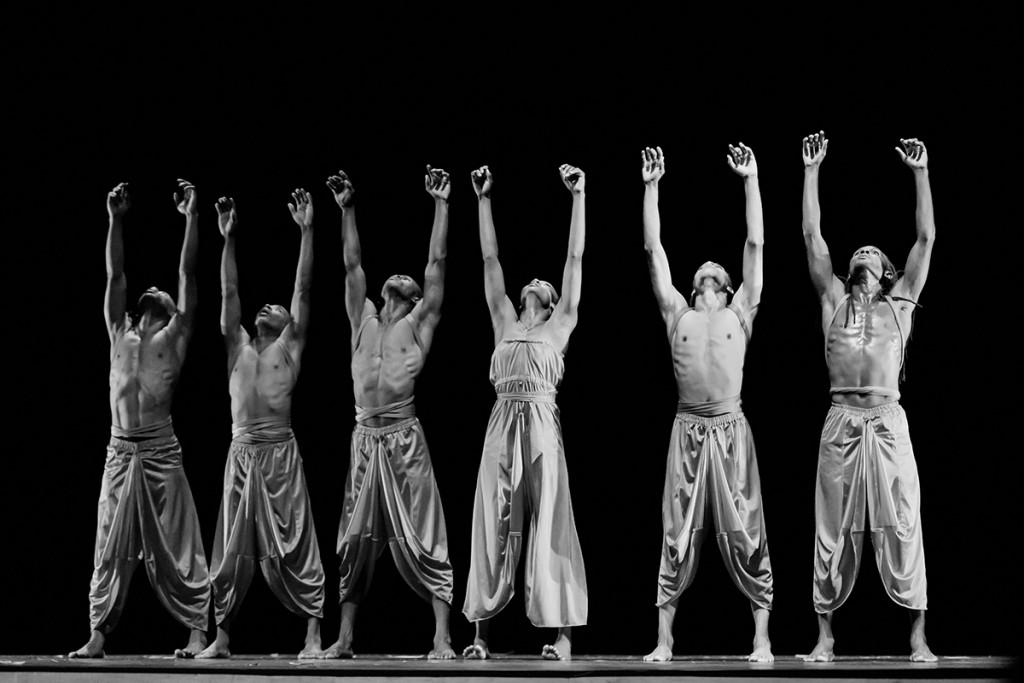'Ayikodans' dance performance conveys Haitian spirit, culture