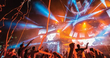 Festival-goers dance as confetti strings fly from the Ultra Main Stage March 2015. The festival announced it will be streaming two different radio programs that will provide live coverage: Ultra Live and UMF Radio. Nick Gangemi // Editor-in-Chief