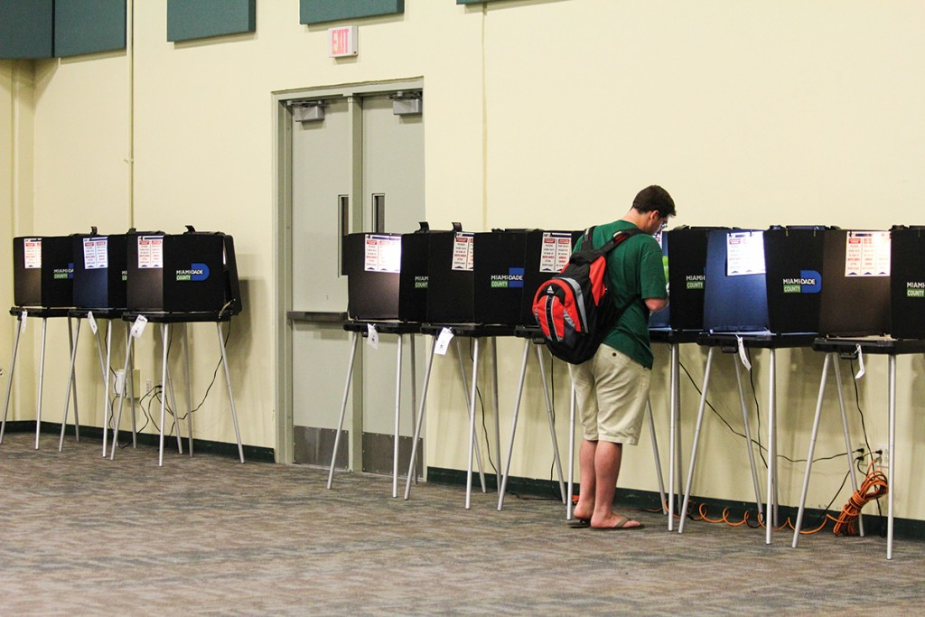 Voters turn out to BankUnited Center for Florida primary