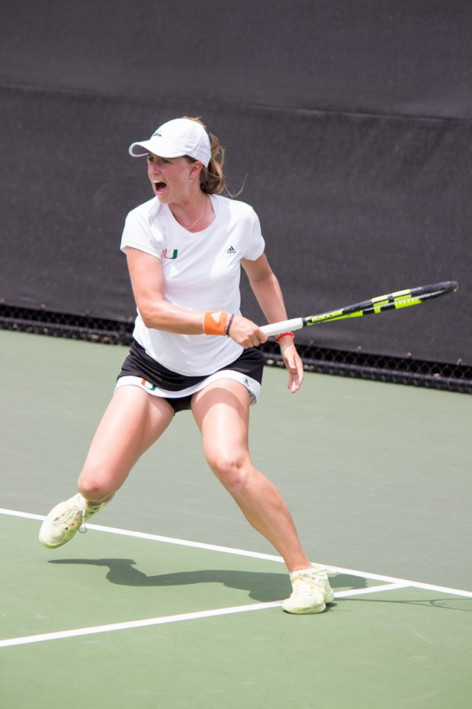 Hurricanes women's tennis finishes flawless March