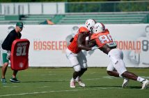 Junior tight end David Njoku (86) goes up against another player in football practice Friday morning at Greentree Practice Fields. Joshua White  // Contributing Photographer