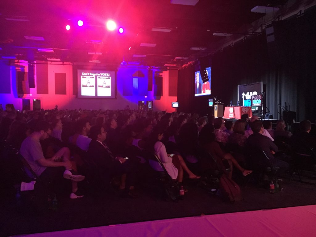 UM students watch first presidential debate at Fieldhouse