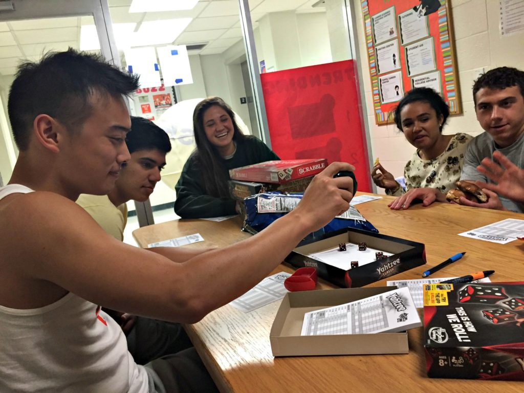 Students react to Hurricane Matthew, find ways to fill time during lockdown