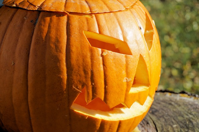 Have a scary good time this year with Halloween dos, don'ts