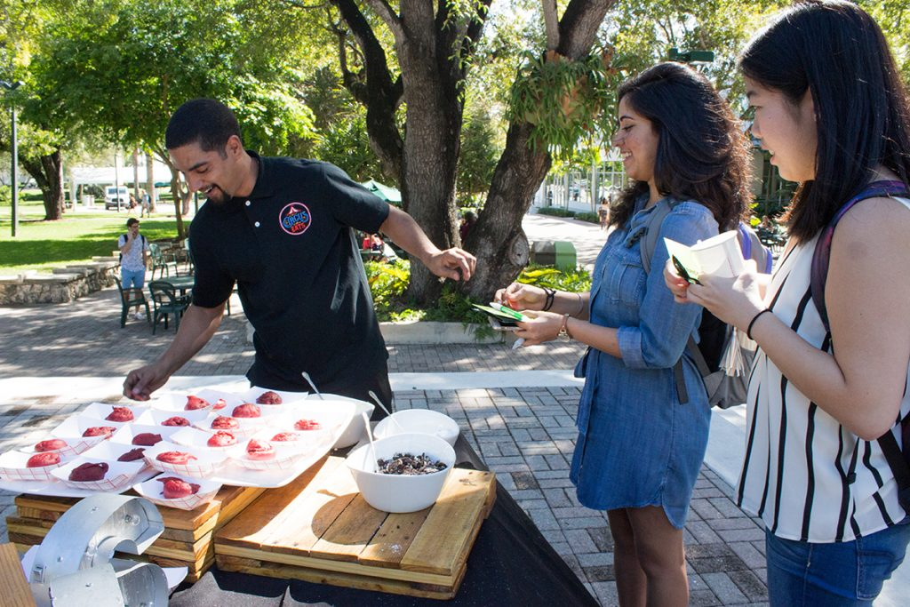 Photo of the Week: HP Pop Up brings fried oreos to campus