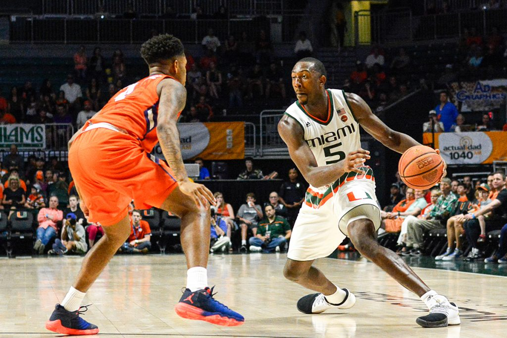 Kamari Murphy scores career high, leads Hurricanes to 71-65 victory over Clemson Tigers