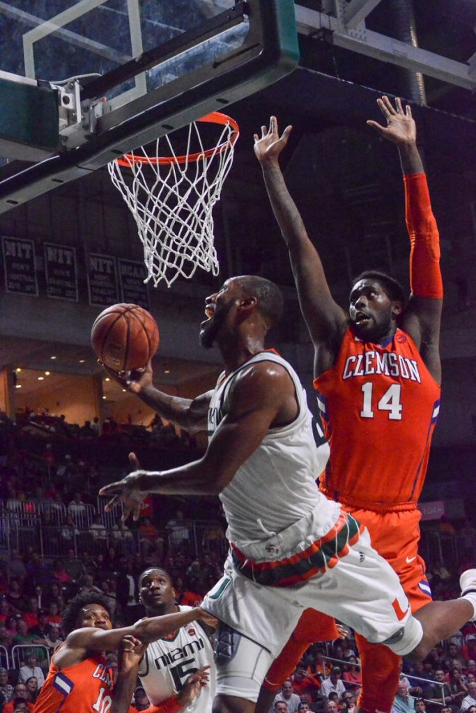 UM beats Syracuse to advance to ACC Tournament quarterfinals