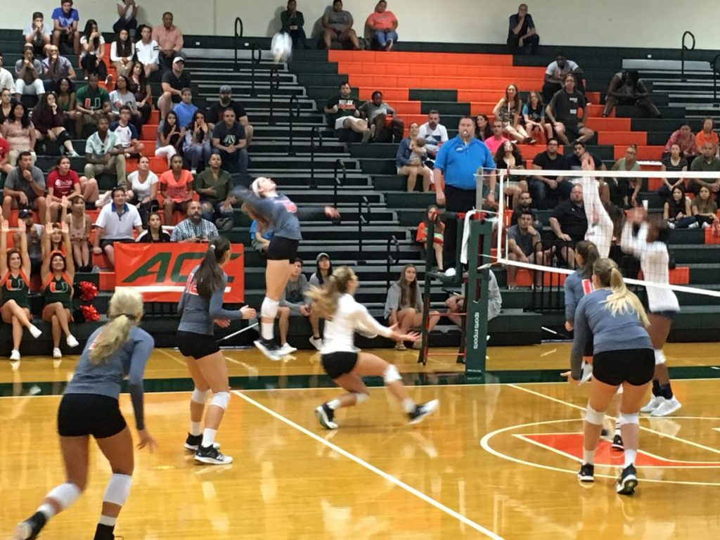 Despite early lead, Hurricanes drop match to Notre Dame Fighting Irish 3-2