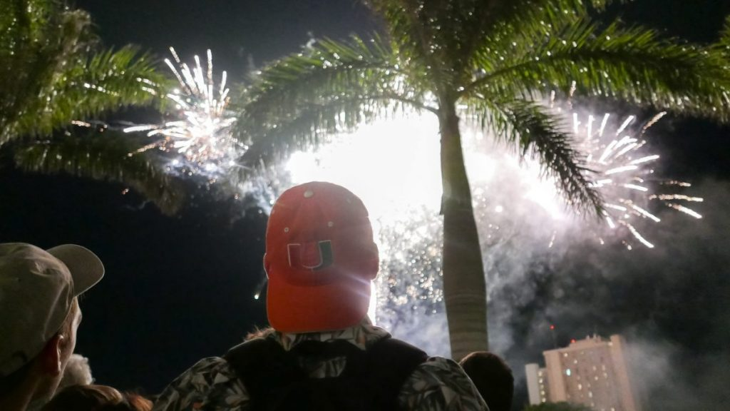 Annual Hurricane Howl brings together alumni, students to reflect on time at UM