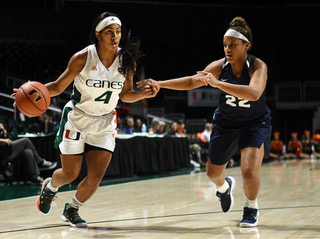 Hurricanes run over New Orleans Privateers 76-46 behind Erykah Davenport's career day