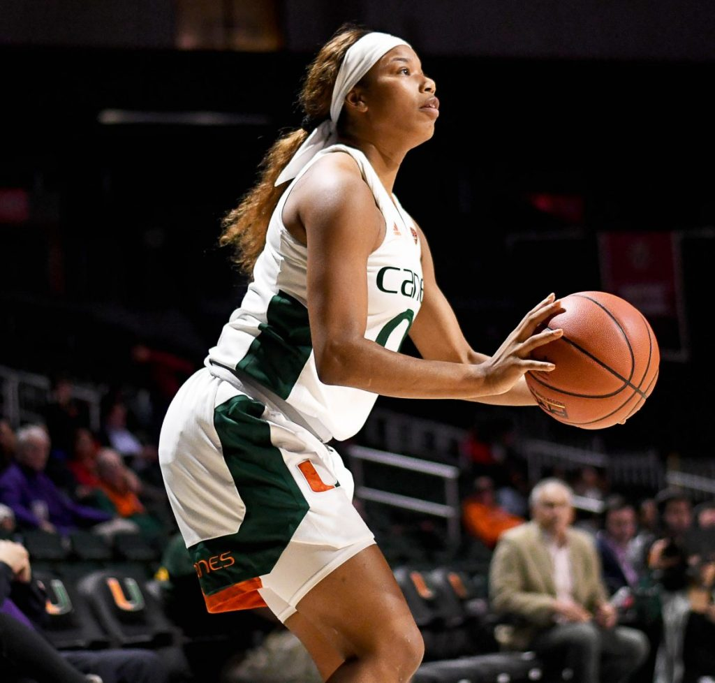 Davenport, Harris guide UM past Syracuse for 750th all-time win