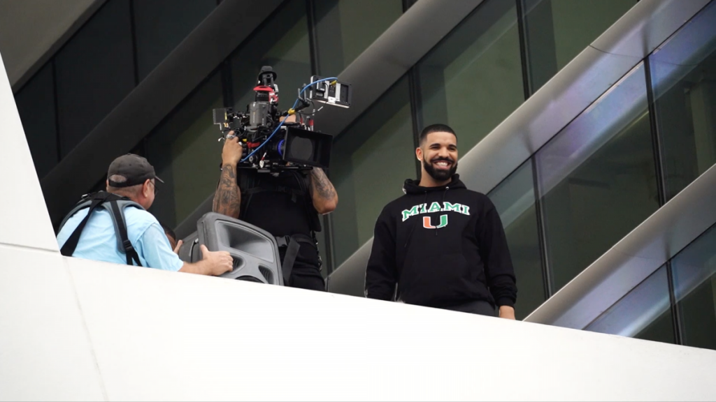 VIDEO: Students react to Drake performance on campus