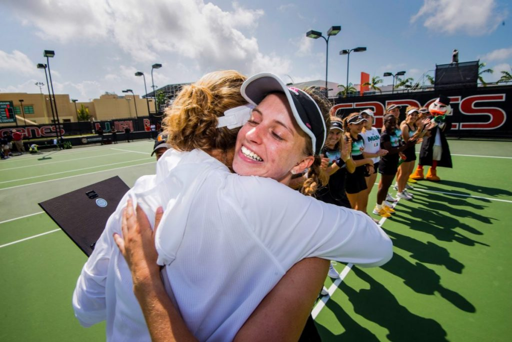 Tennis teams thrive in seniors' final games