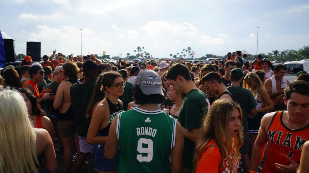 Pilot tailgating policy aims for compromise between students and administration