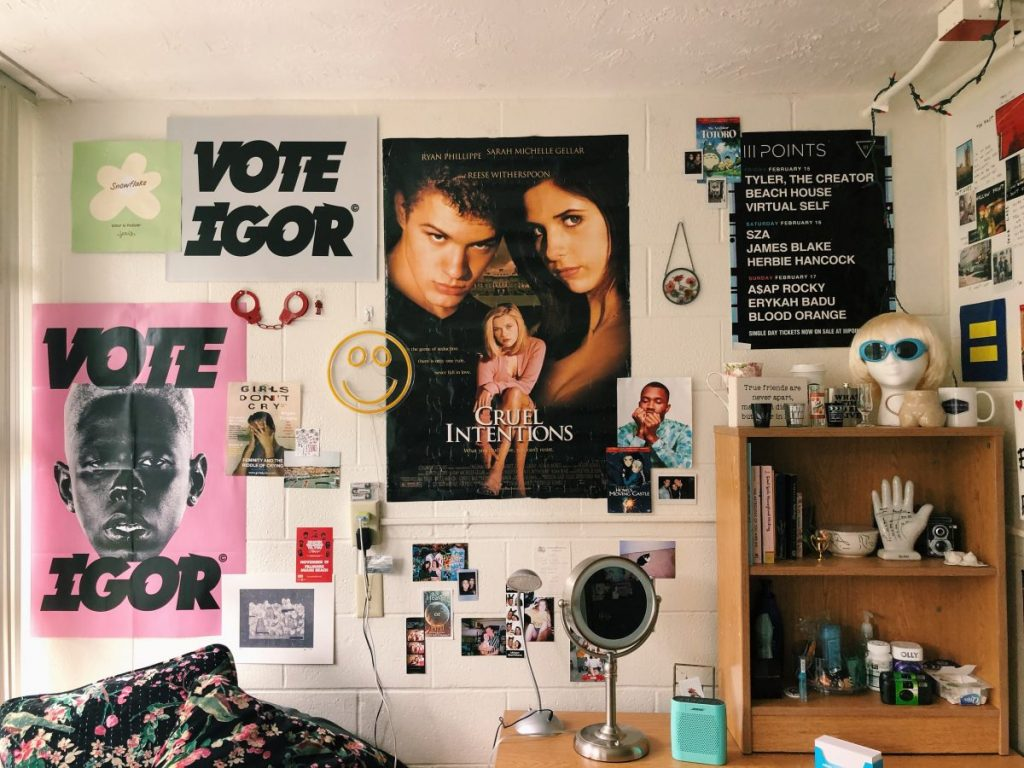 Tips on how to make your dorm feel like home