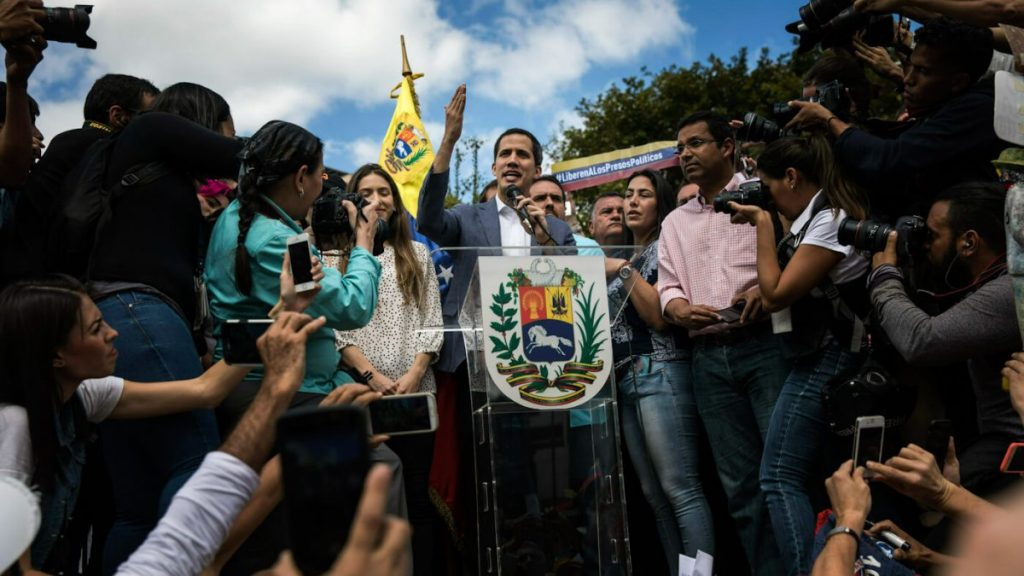 Venezuelan students reflect on one year with Guaidó