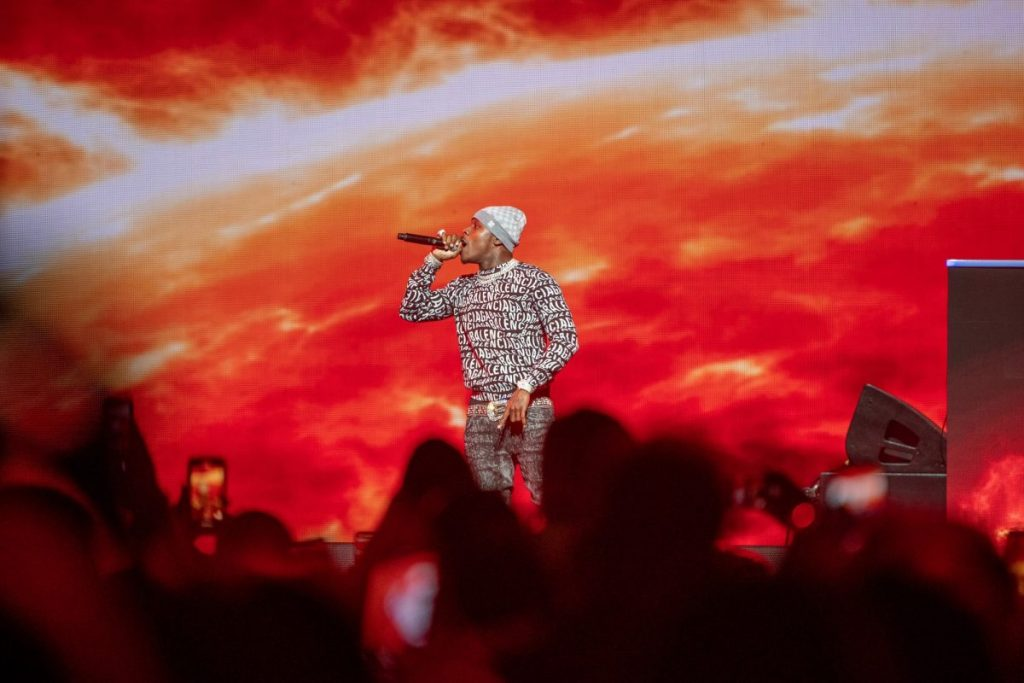 REVIEW: Rap's biggest stars perform at Super Bowl Music Fest, bring big surprises