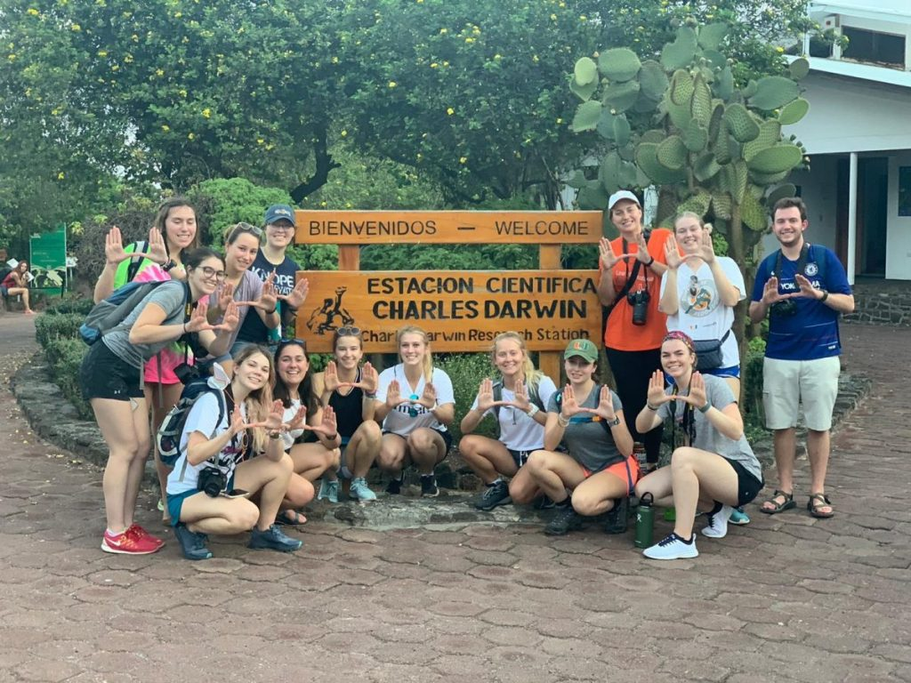 During their first week of classes, students visited the Charles Darwin Research Station.