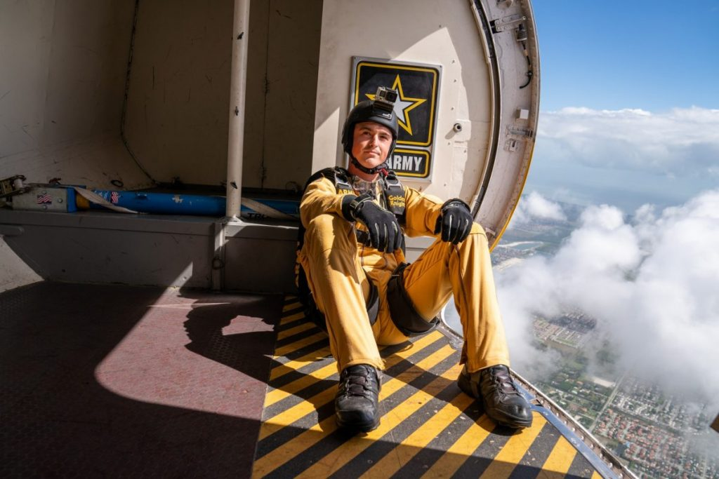 Photo essay: U.S. Army Parachute Team 'Golden Knights'